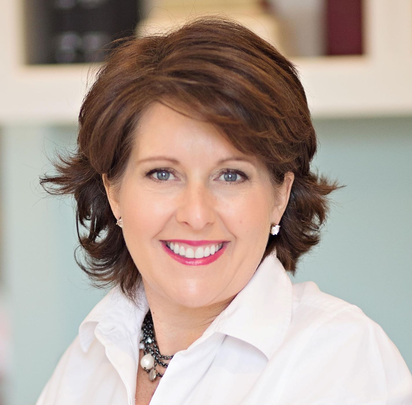 Guest blogger Lisa Earle McLeod, author of Leading with Noble Purpose